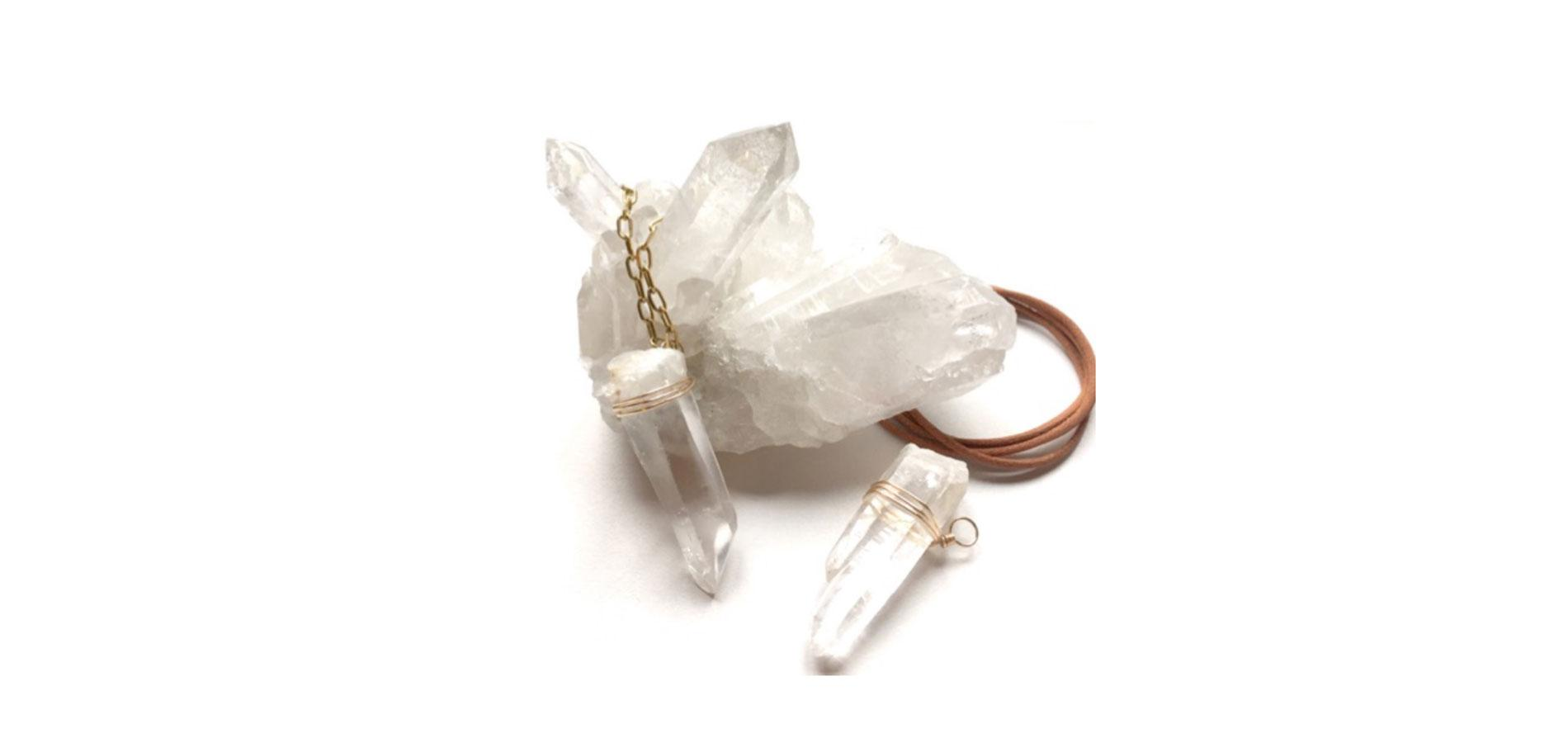 0befa73dc9 Sautoir en cristal de roche et chaine en laiton doré à l'or fin, Sir  Constance, 280 €. En vente sur http://www.sirconstance.com.