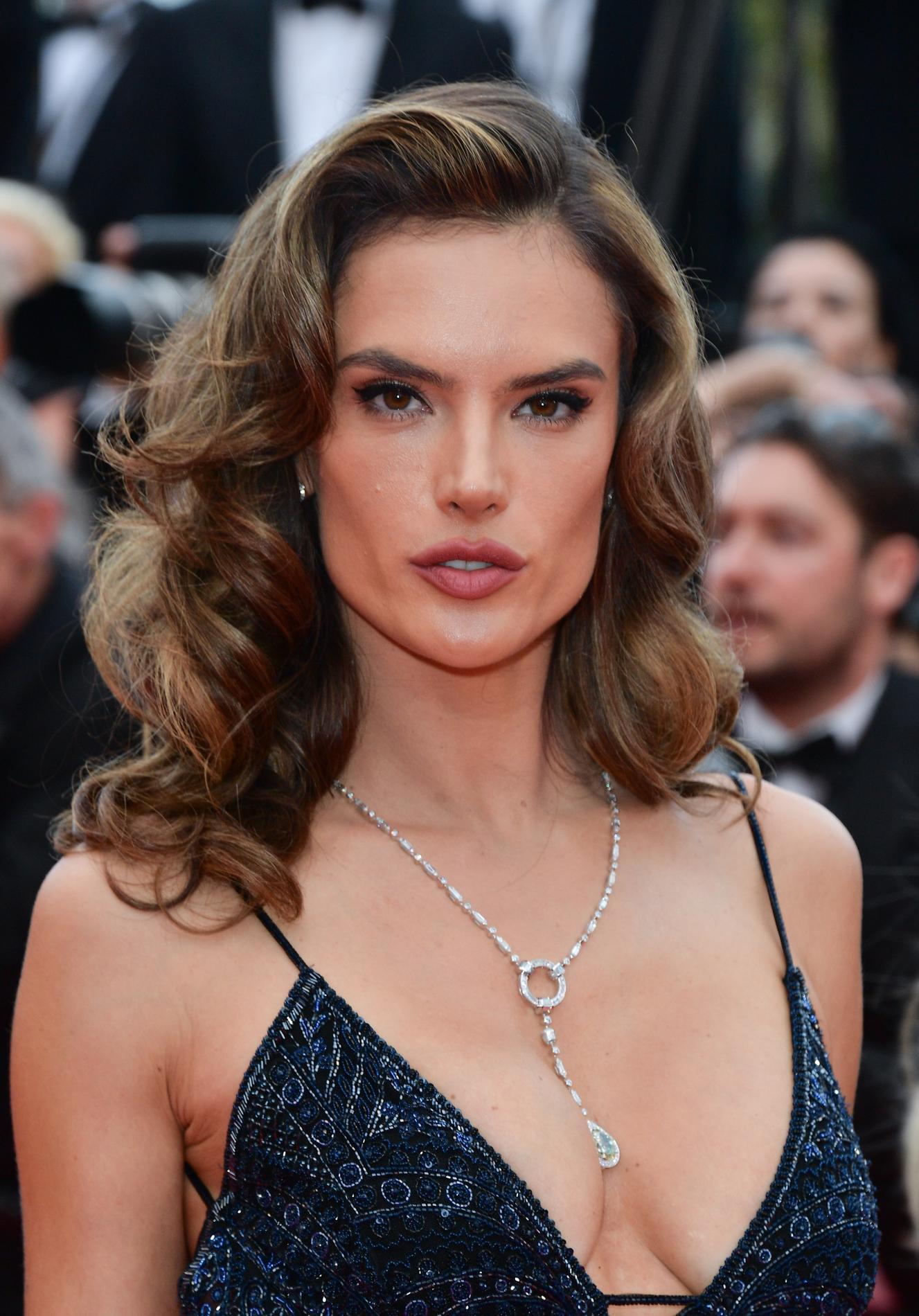 Les plus belles coiffures du festival de Cannes 2018 , Alessandra  Ambrosio
