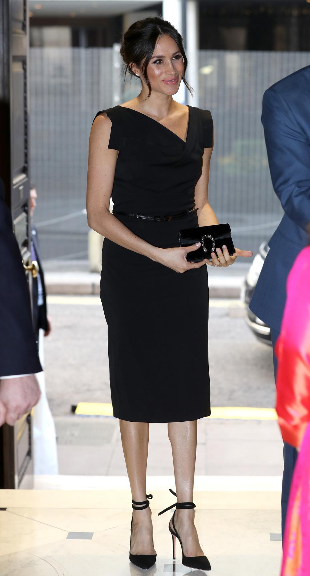 c4c308519fc ... Meghan Markle   15 looks d une duchesse en devenir - La petite robe  noire ...