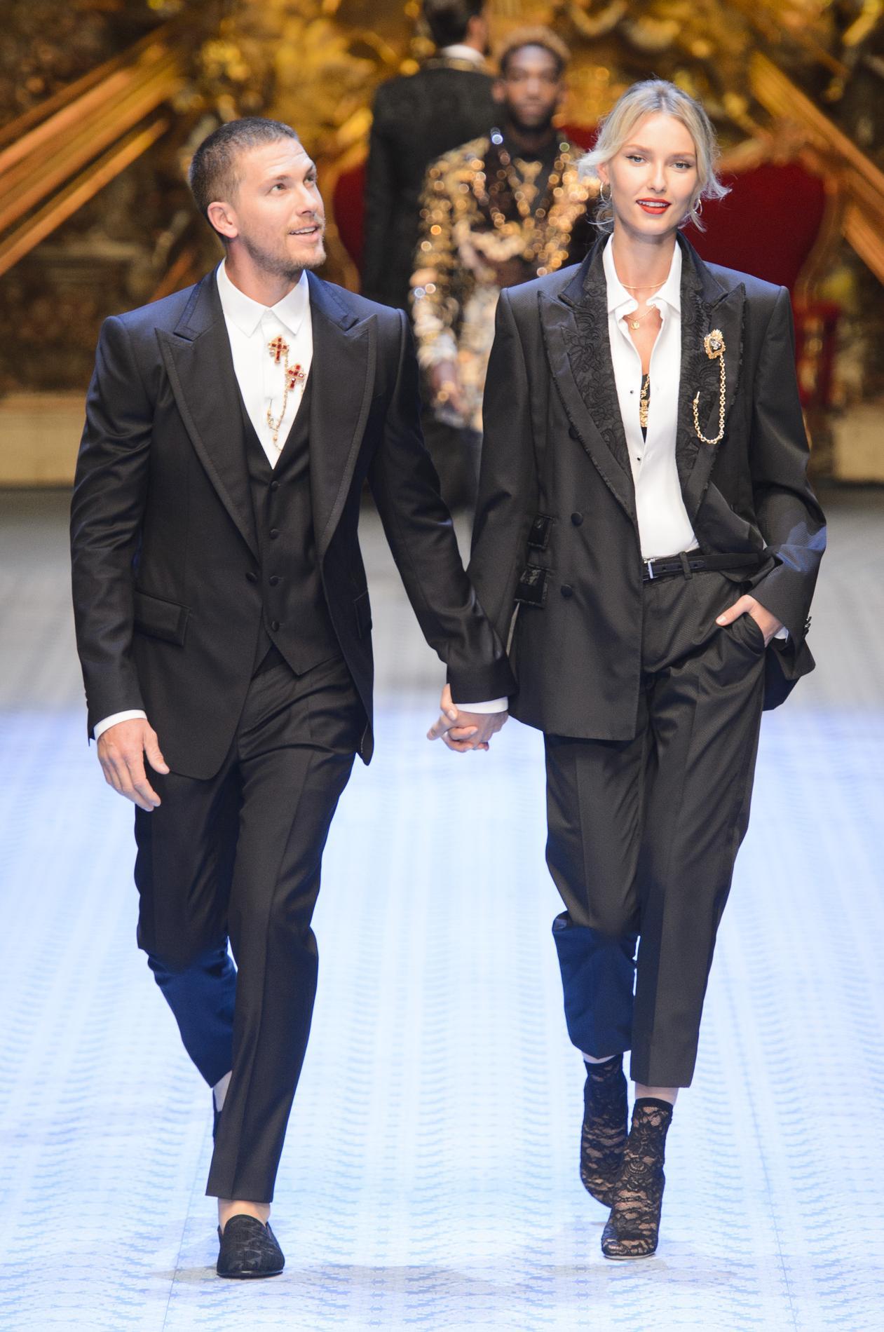 ff8ff27f0d Monica Bellucci défile à Milan pour Dolce & Gabbana - Madame Figaro