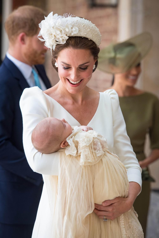 d1e860435d3e5 Kate Middleton était habillée d une robe Alexander McQueen lors du baptême  du prince Louis. (Londres
