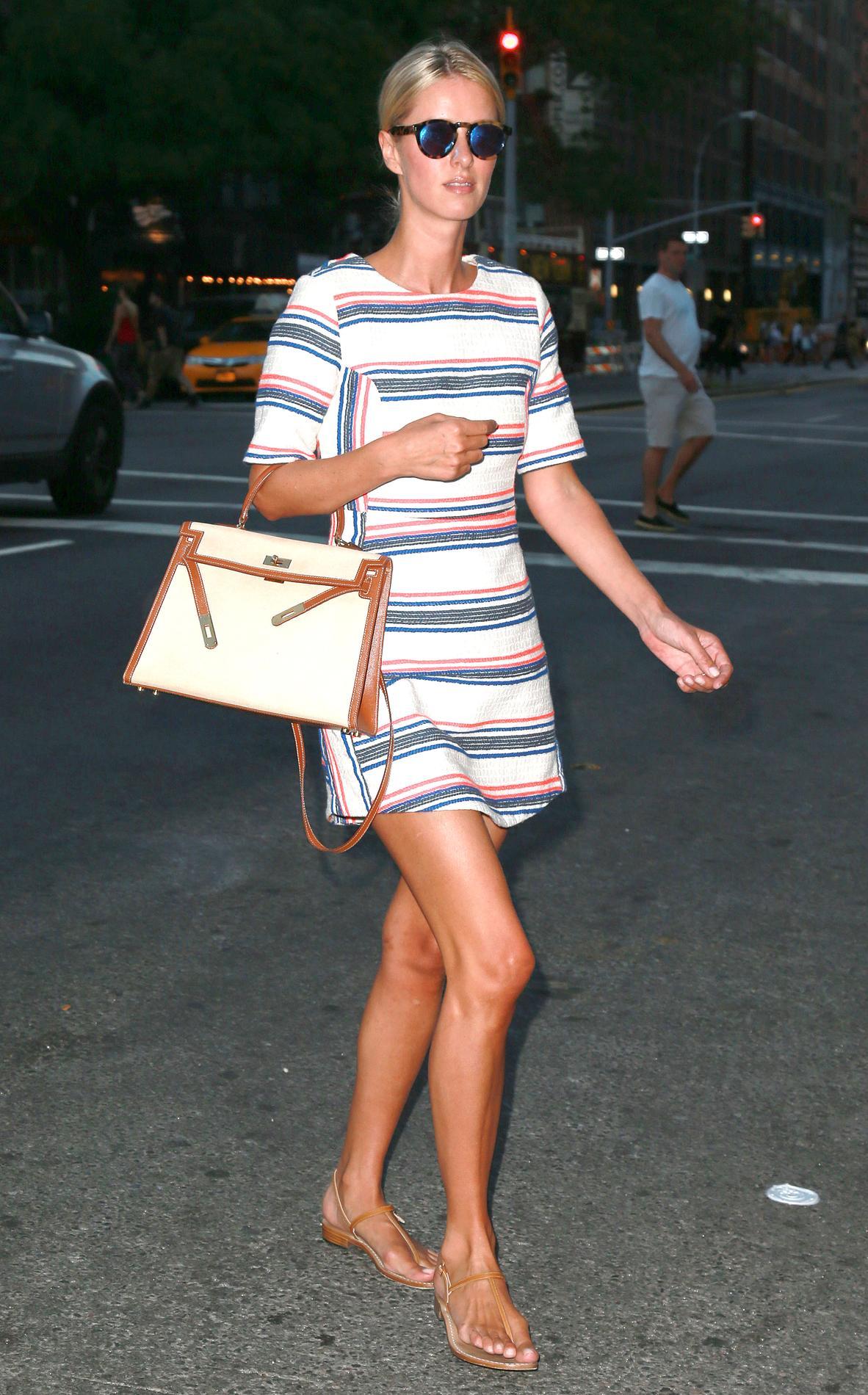 cf8e5a2c73 Photo DP Collector Square De Miranda Kerr à Eva Longoria, cinq façons de  porter le Kelly d'Hermès ...