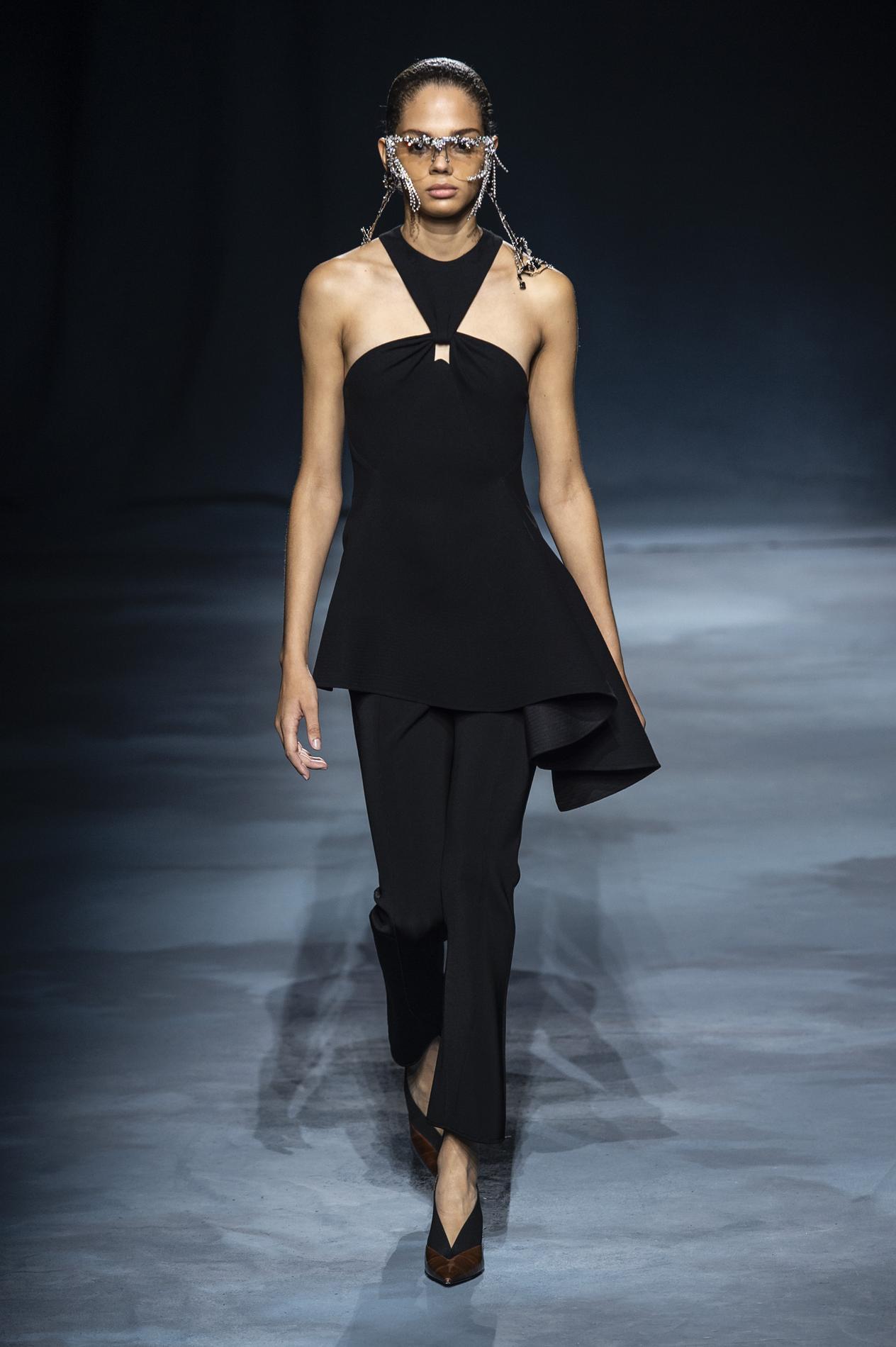 Nouveau Défilé Madame Figaro GivenchyLe Féminin b76Ygyfv