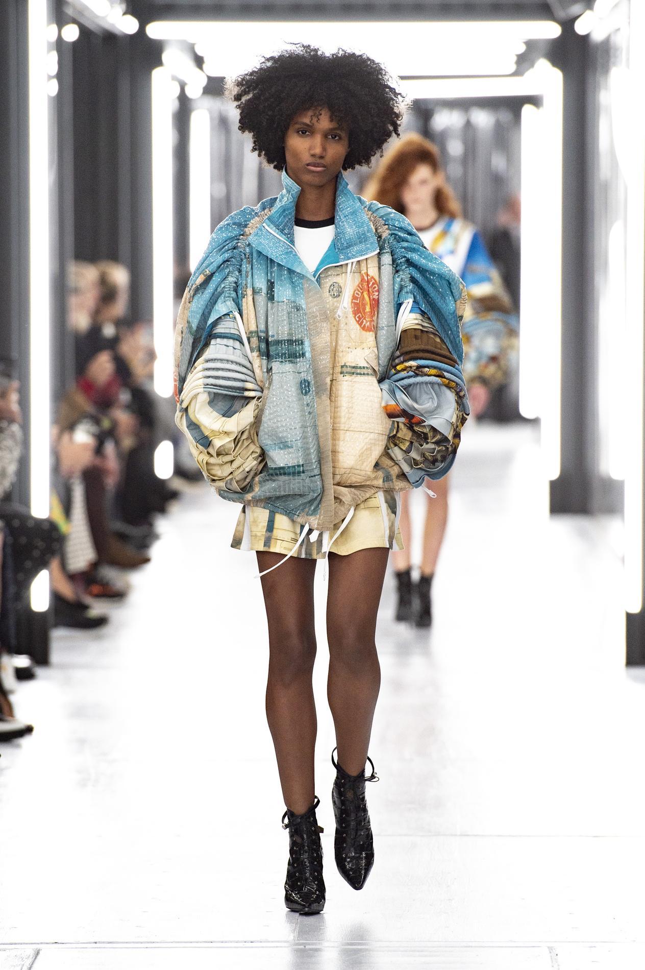985f02b9ad8324 Défilé Louis Vuitton   un vestiaire qui donne le pouvoir aux femmes ...