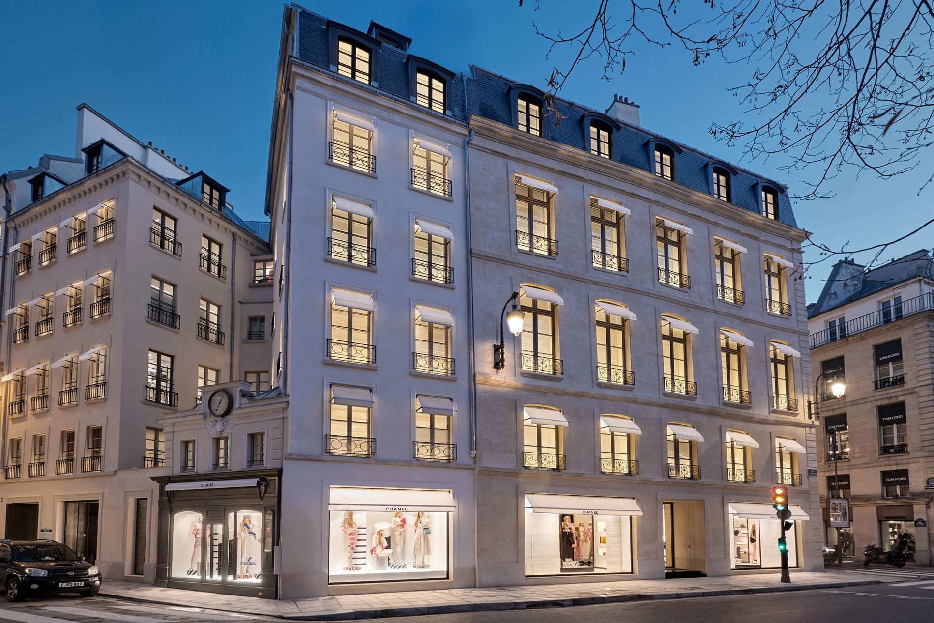 3f776b305a0 ... boutique Chanel au 19 rue Cambon · Voir toutes les photos