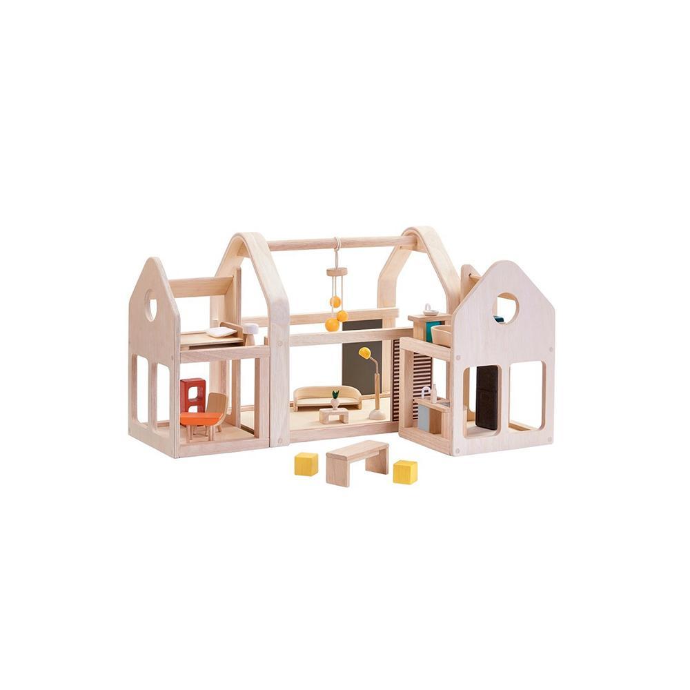 7d928b6903379 ... Noël 2018   40 idées de cadeaux pour enfants - Maison en bois Plan Toys  ...