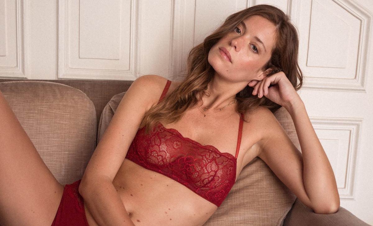 cdce6c1abbb Puisque c'est une tradition, on s'offrira de la lingerie rouge à ...