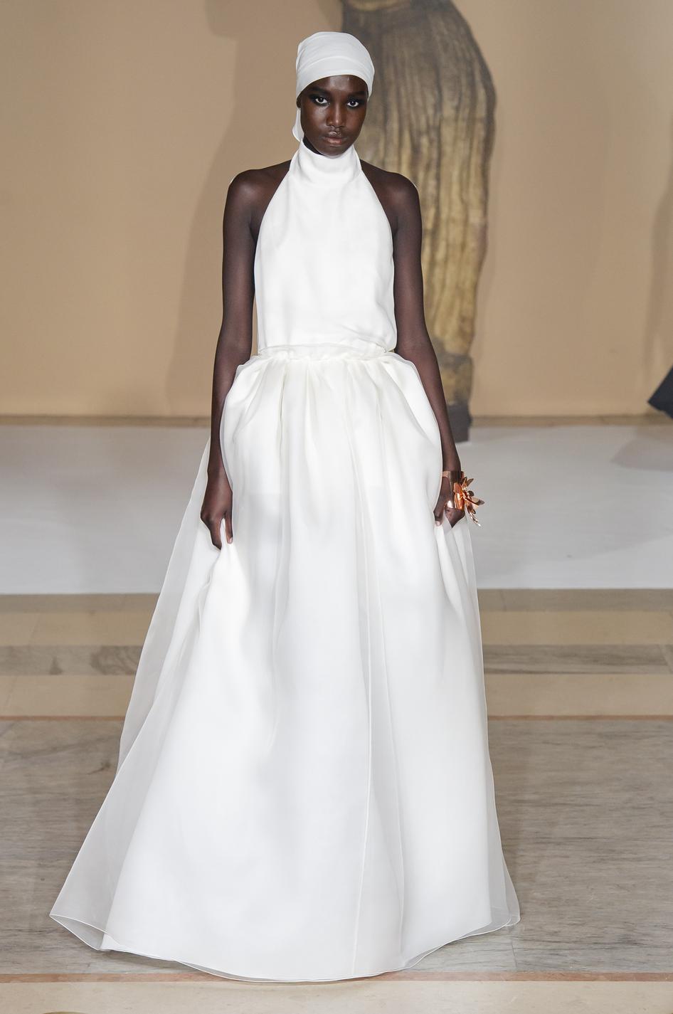 e4d0846bbf ... mariée haute couture printemps-été 2019 - Givenchy Les robes de mariée  haute couture printemps-été 2019 - Schiaparelli Les robes de mariée haute  couture ...