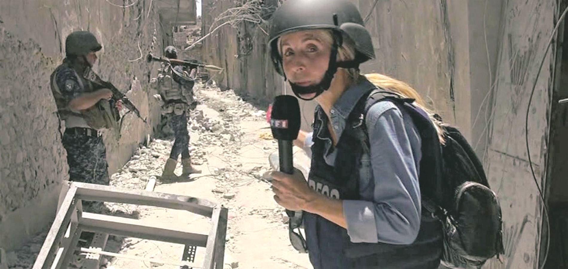 """Liseron Boudoul, reporter de guerre : """"Même quand on frôle la mort, on a  envie de repartir"""" - Madame Figaro"""