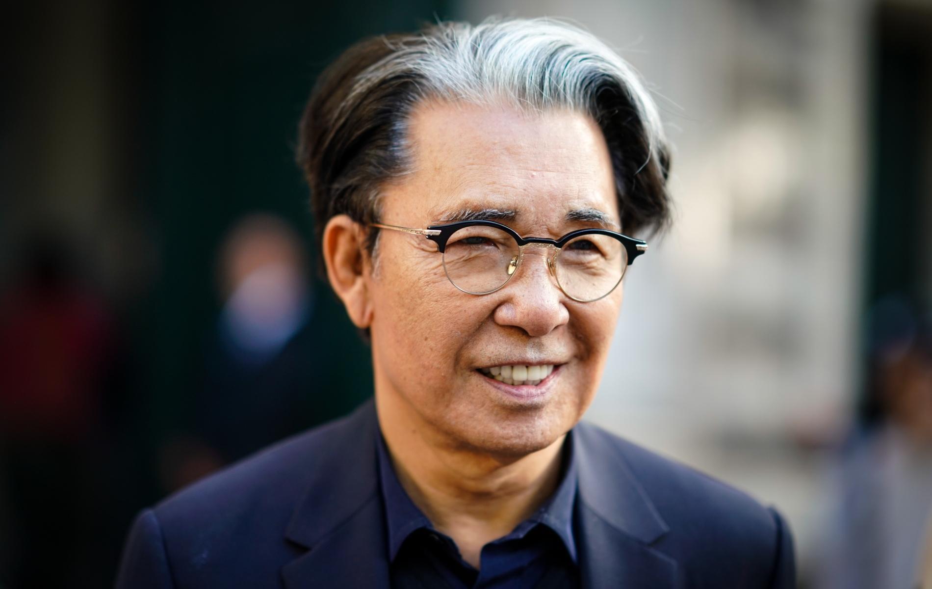 Le créateur japonais Kenzo Takada est mort à 81 ans, des suites du Covid-19 - Madame Figaro