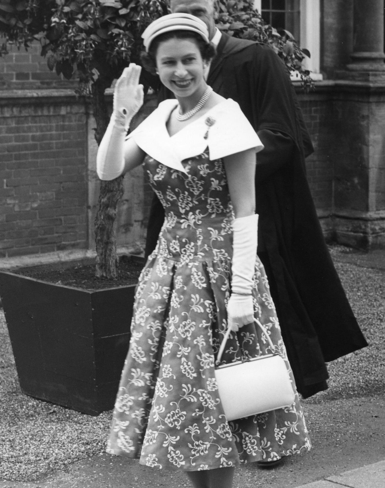 Elizabeth II : les 29 petits secrets de la reine d'Angleterre - photo 1