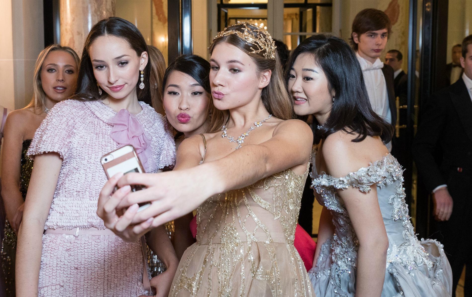 Le Bal des Débutantes 2016 - Selfies