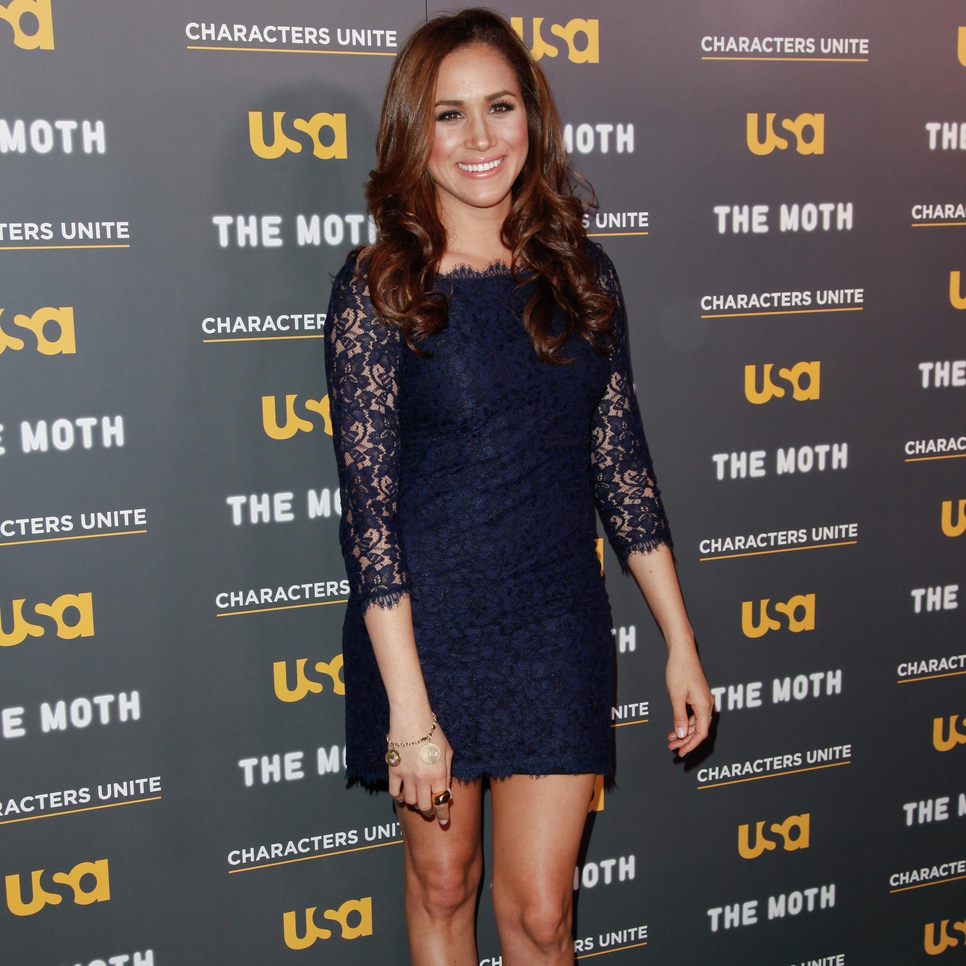 Meghan Markle : une Kate Middleton à l'américaine - Robe en dentelle