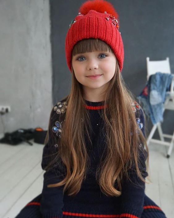 99c428e064a6 Anastasia Knyazeva, petite Russe de 6 ans vient d être nommée «plus belle  petite fille du monde» par les internautes.