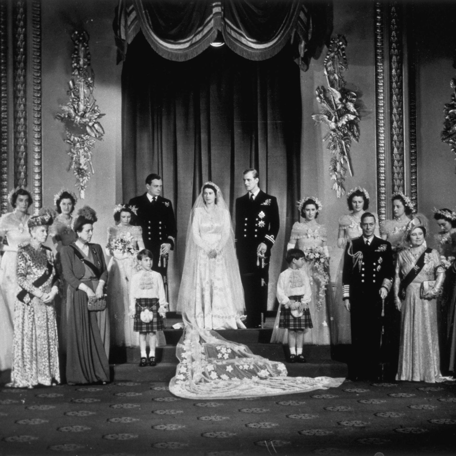 The Crown : retour sur les costumes de la série Netflix - le mariage