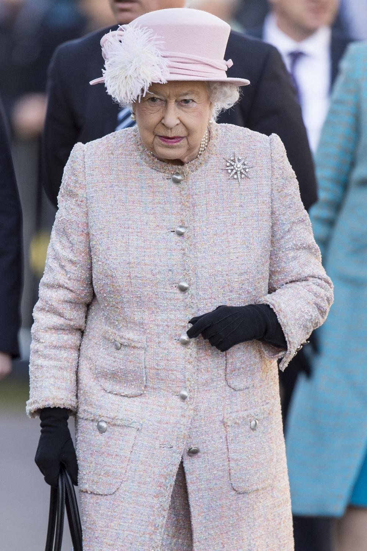 """La reine d'Angleterre n'a que deux jours """"off"""" par an"""