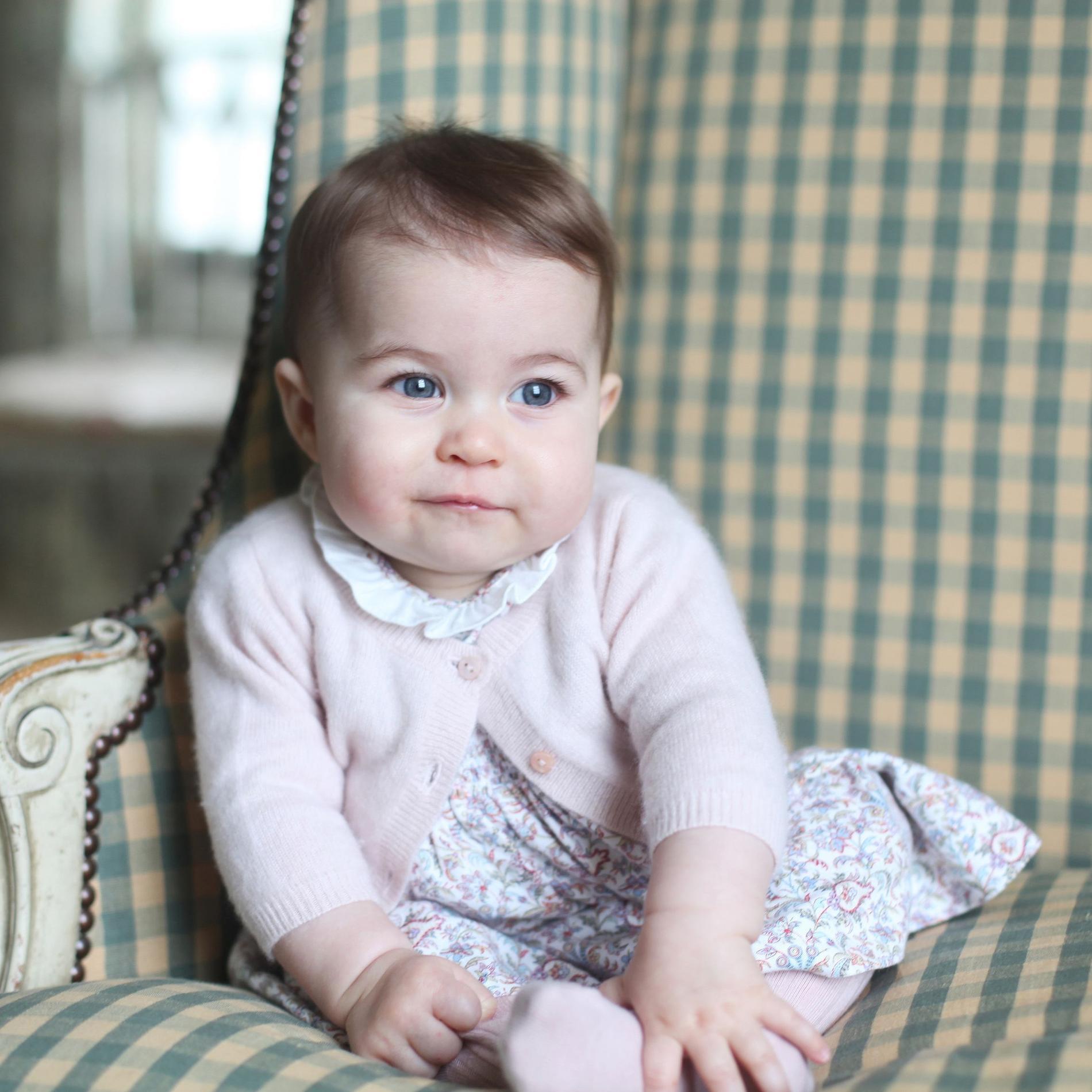 Les adorables petites robes de la princesse Charlotte de Cambridge - En liberty