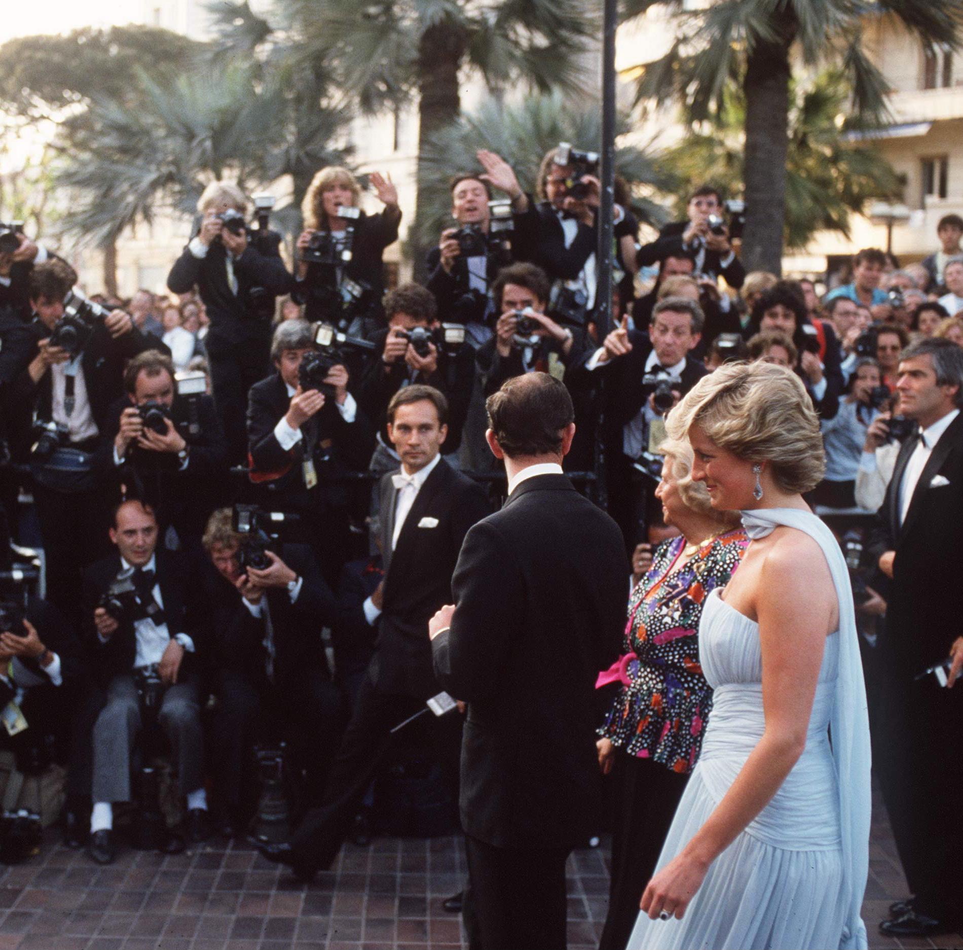 Retour sur... Lady Diana montant les marches du Festival de Cannes en 1987