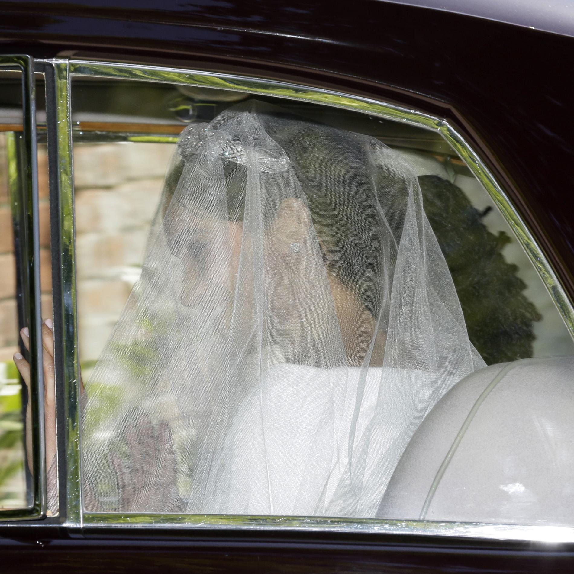 Meghan Markle arrive à la chapelle Saint George