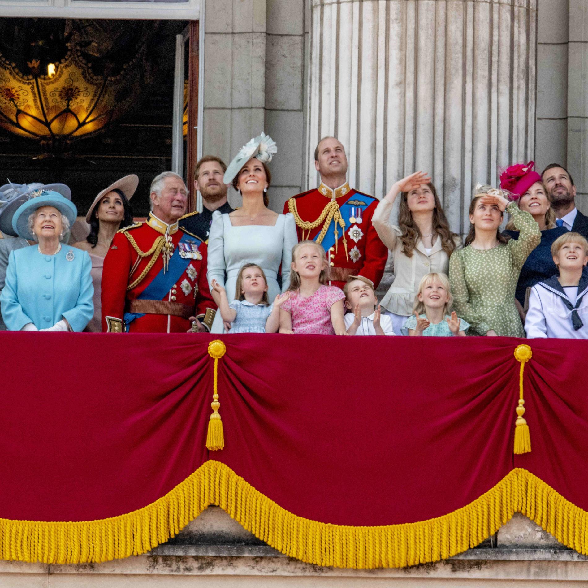 Les photos de la famille royale aux 92 ans d'Elizabeth II