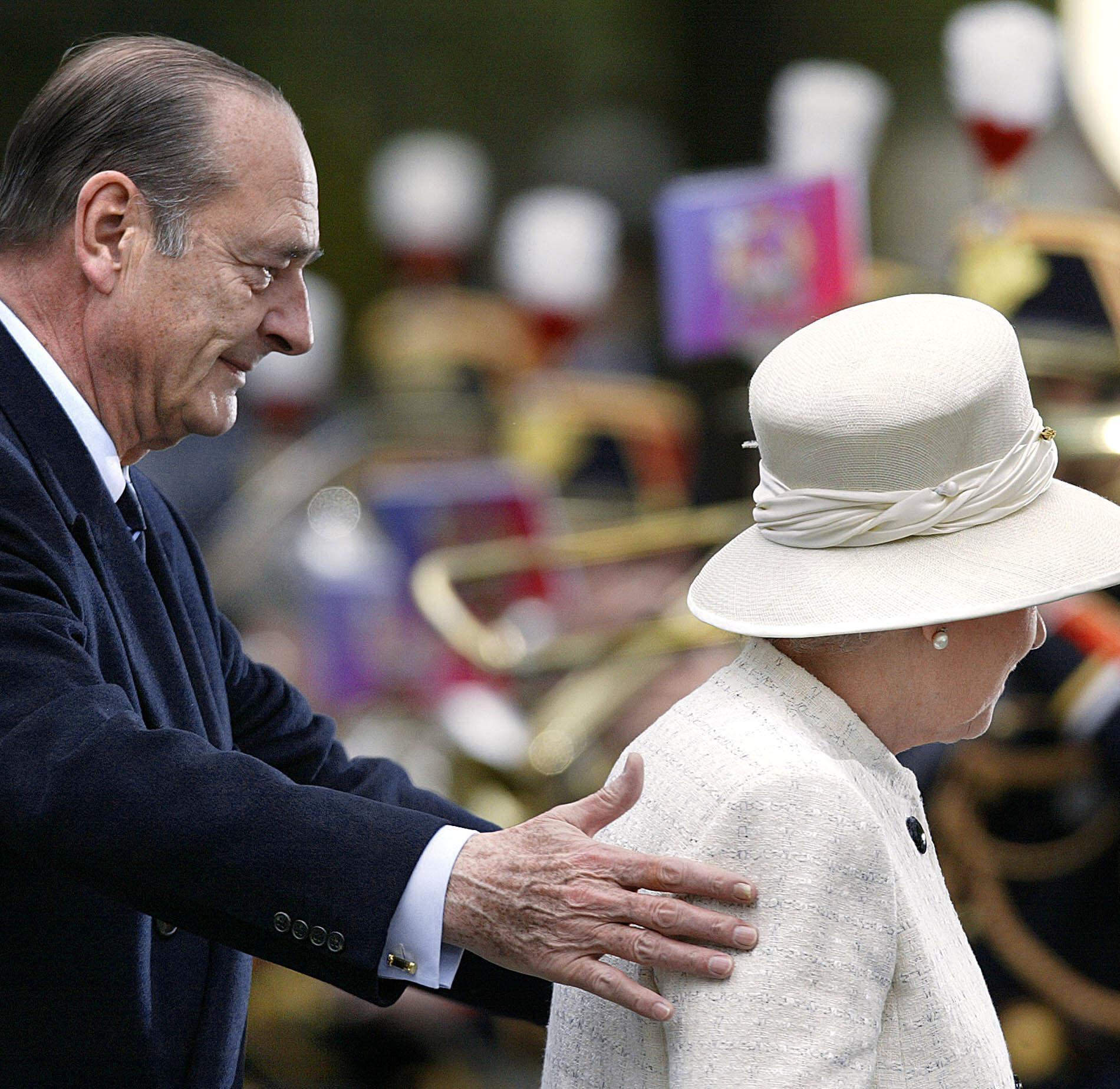 Jacques Chirac et la reine Elizabeth II en 2004
