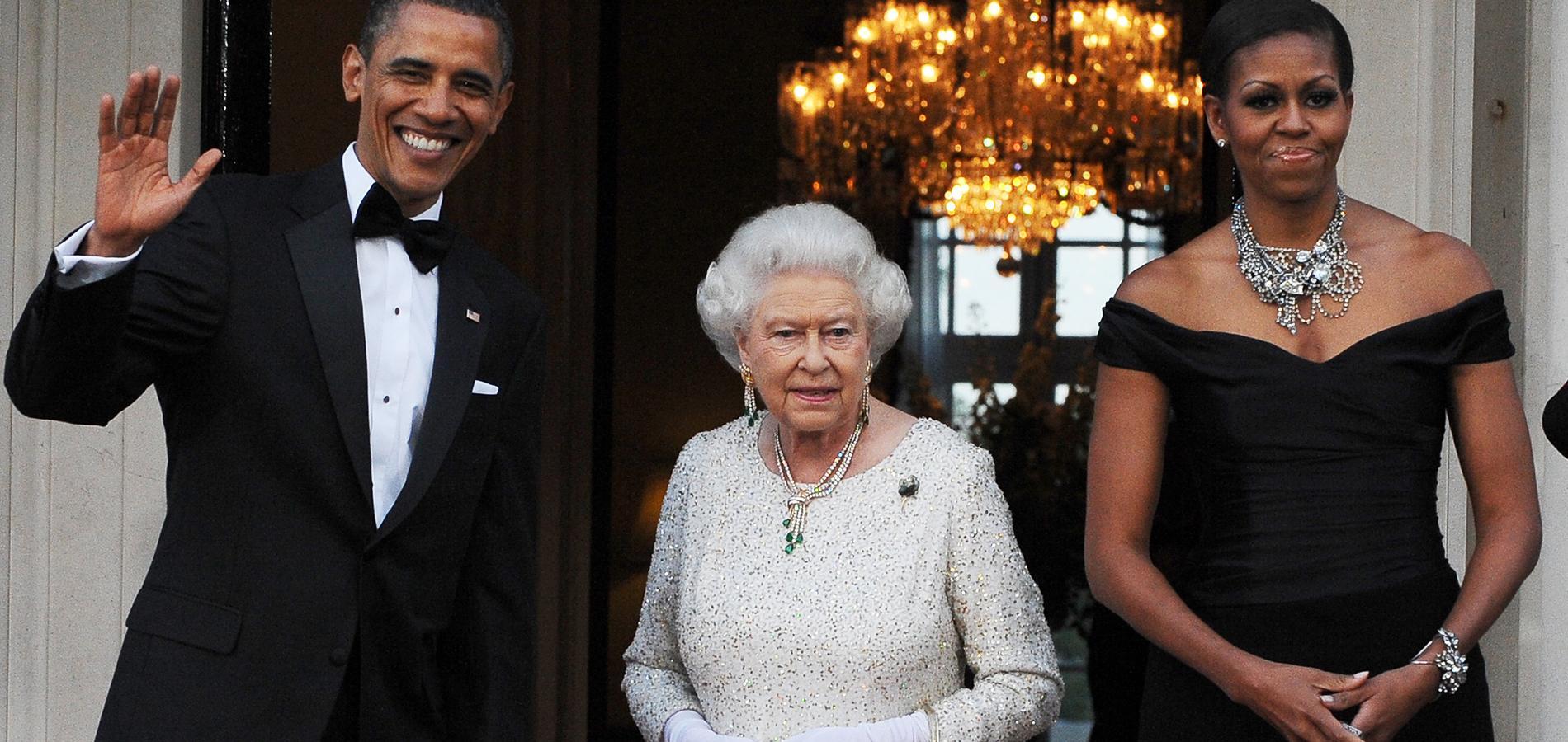 La reine Elizabeth II entourée de Barack et Michelle Obama à Londres