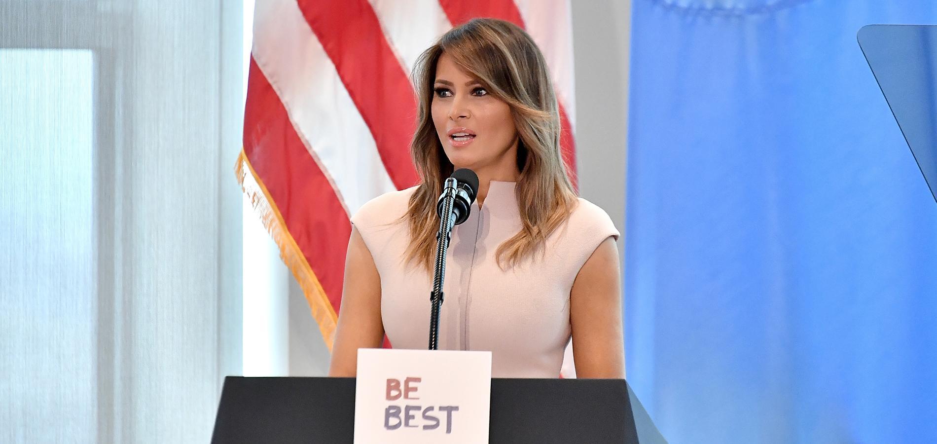 """Pour Melania Trump, les femmes agressées sexuellement doivent """"fournir des preuves"""""""