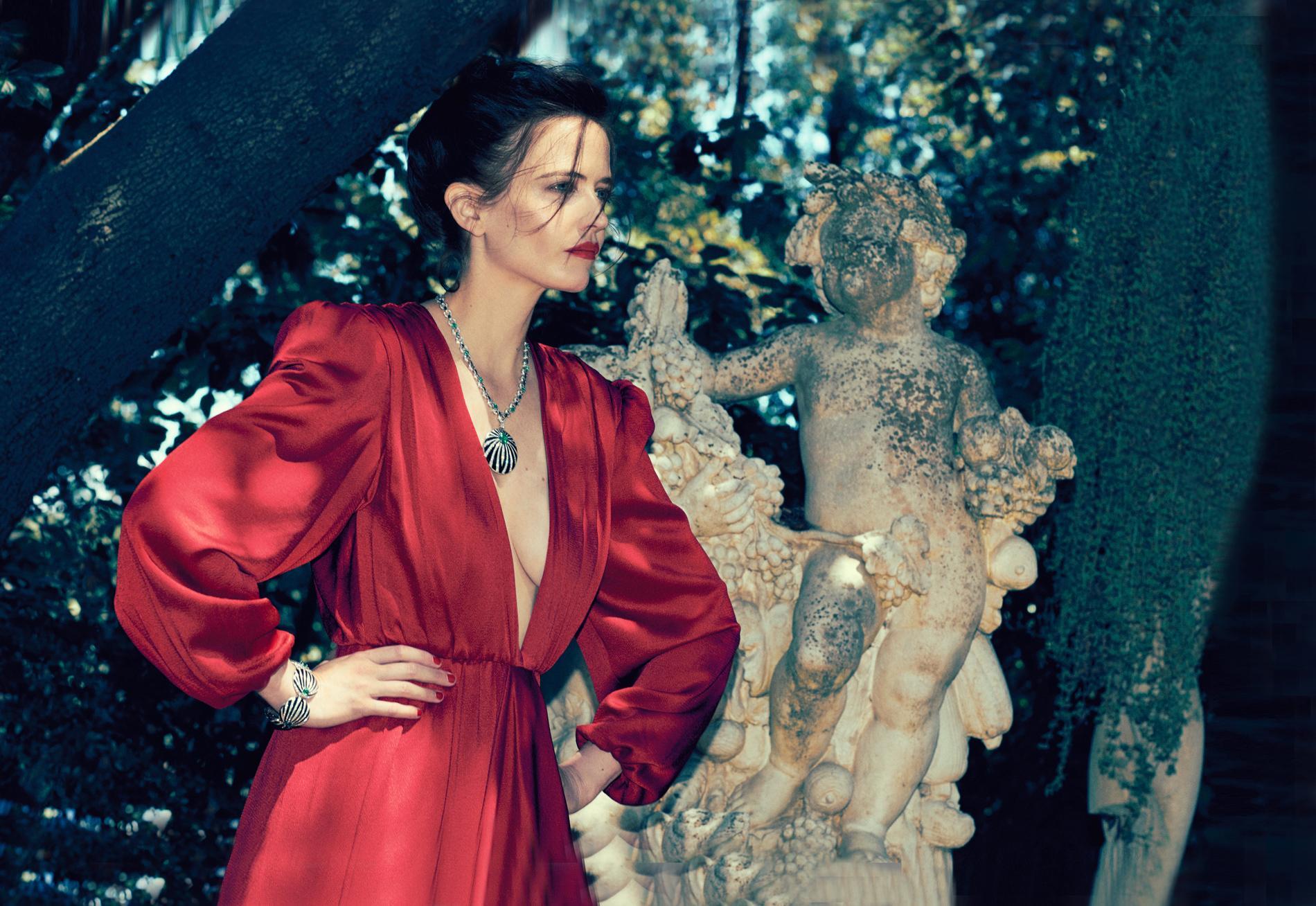 Eva Green, lady in red