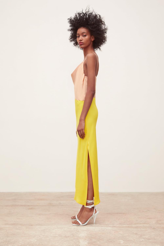 Nos dix robes à moins de 100 euros pour briller sans éclipser la mariée -  Madame Figaro bbec12029f6