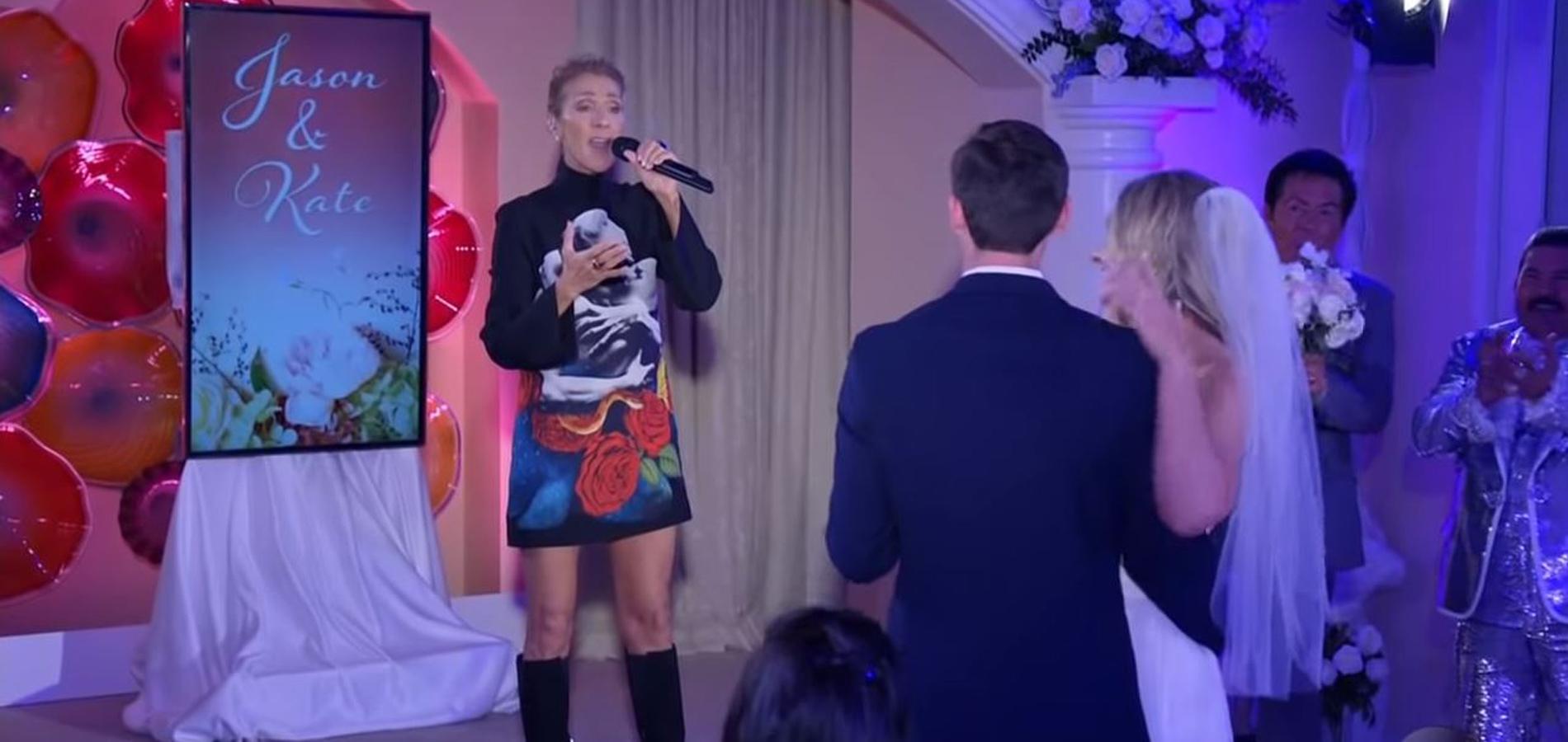 En vidéo, Céline Dion fait irruption lors d\u0027une cérémonie de