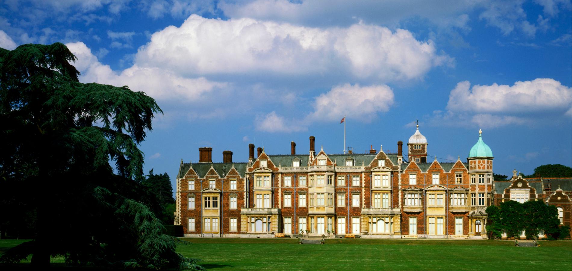 Elizabeth II payera de ses propres deniers la réparation du toit de Sandringham