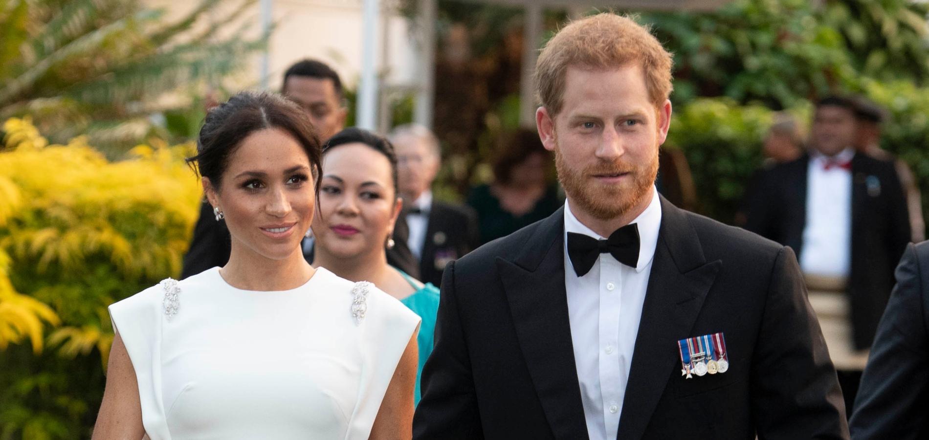 Meghan Markle insiste pour être assise à côté du prince Harry lors des dîners mondains