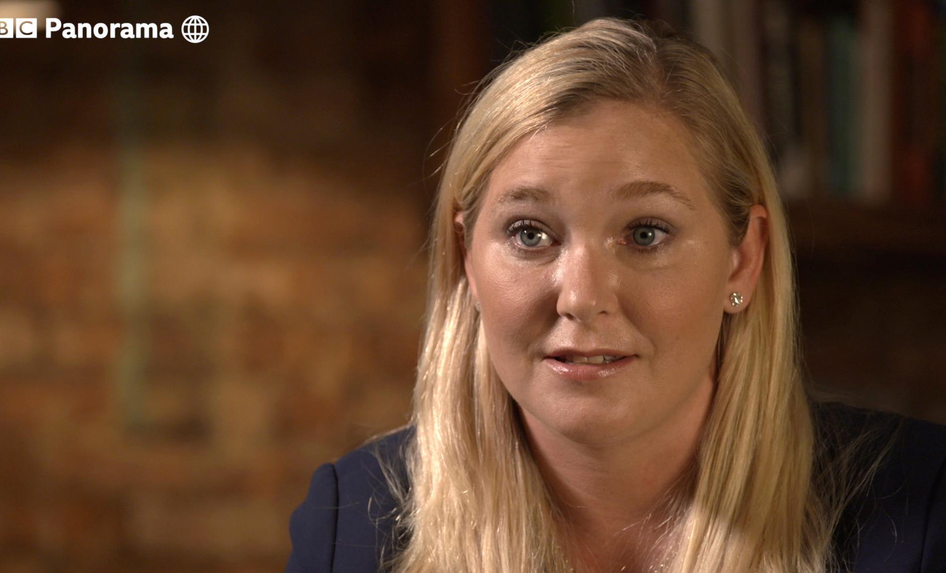 """""""J'implore les Britanniques de me soutenir"""" : ce qu'a dit la principale accusatrice du prince Andrew à la BBC"""