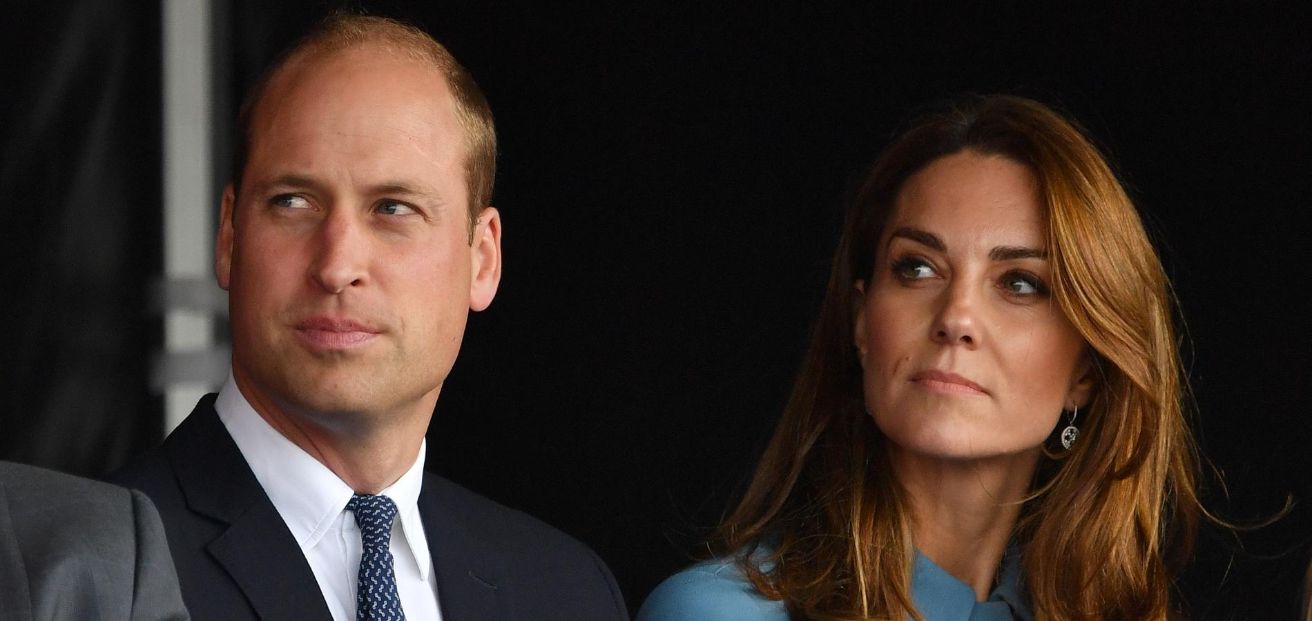 """""""Cela me rend triste"""" : le prince William réagit au retrait de Meghan et Harry"""