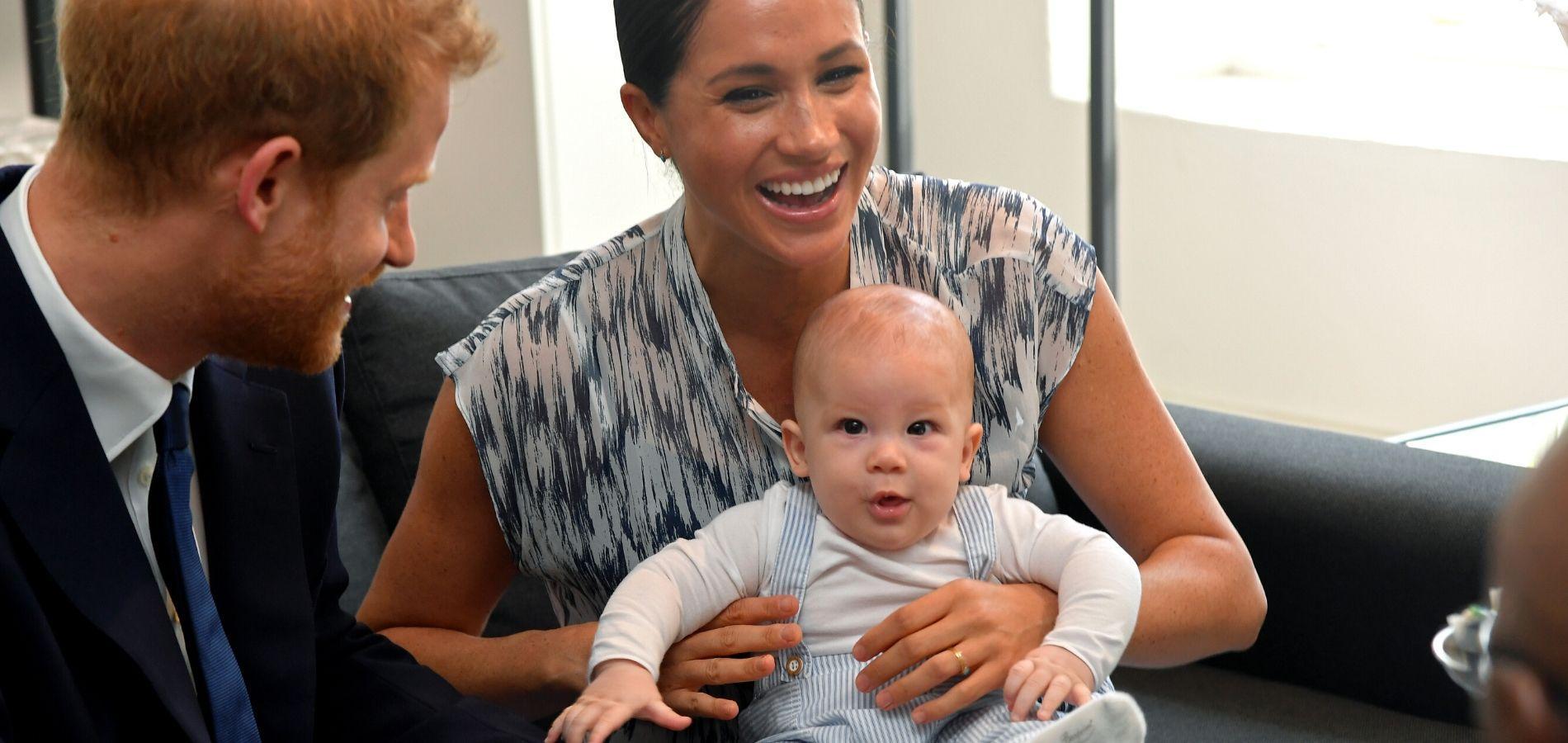 """Meghan Markle a pris ses distances avec la famille royale pour empêcher qu'Archie ne devienne """"anxieux"""""""