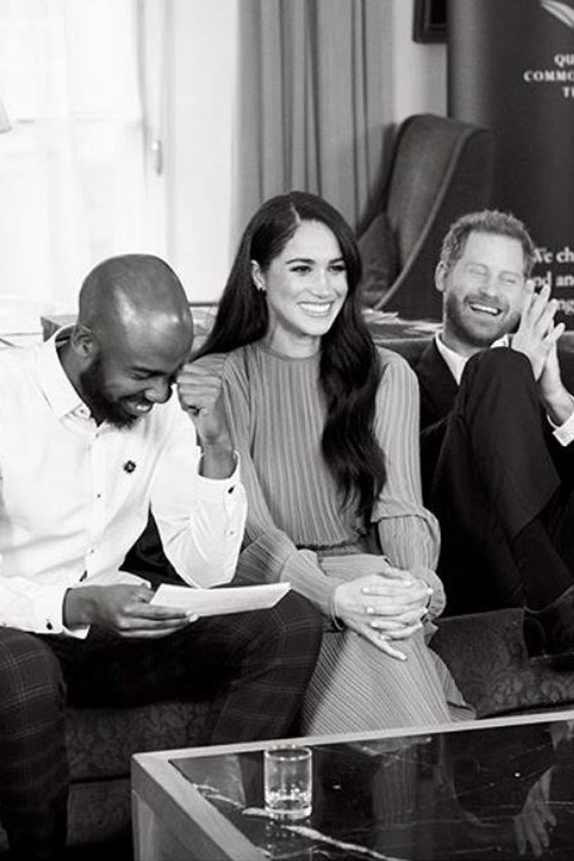 Le fou rire de Meghan Markle et du prince Harry : les nouvelles photos des Sussex à Buckingham Palace