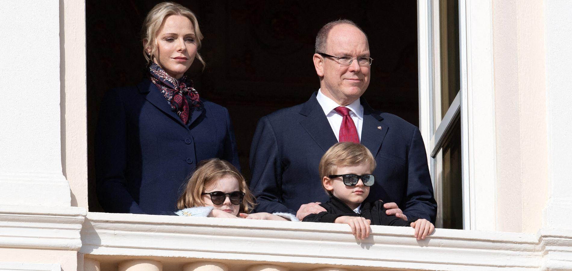 Charlene de Monaco prend la pose avec ses jumeaux pour la Fête des mères