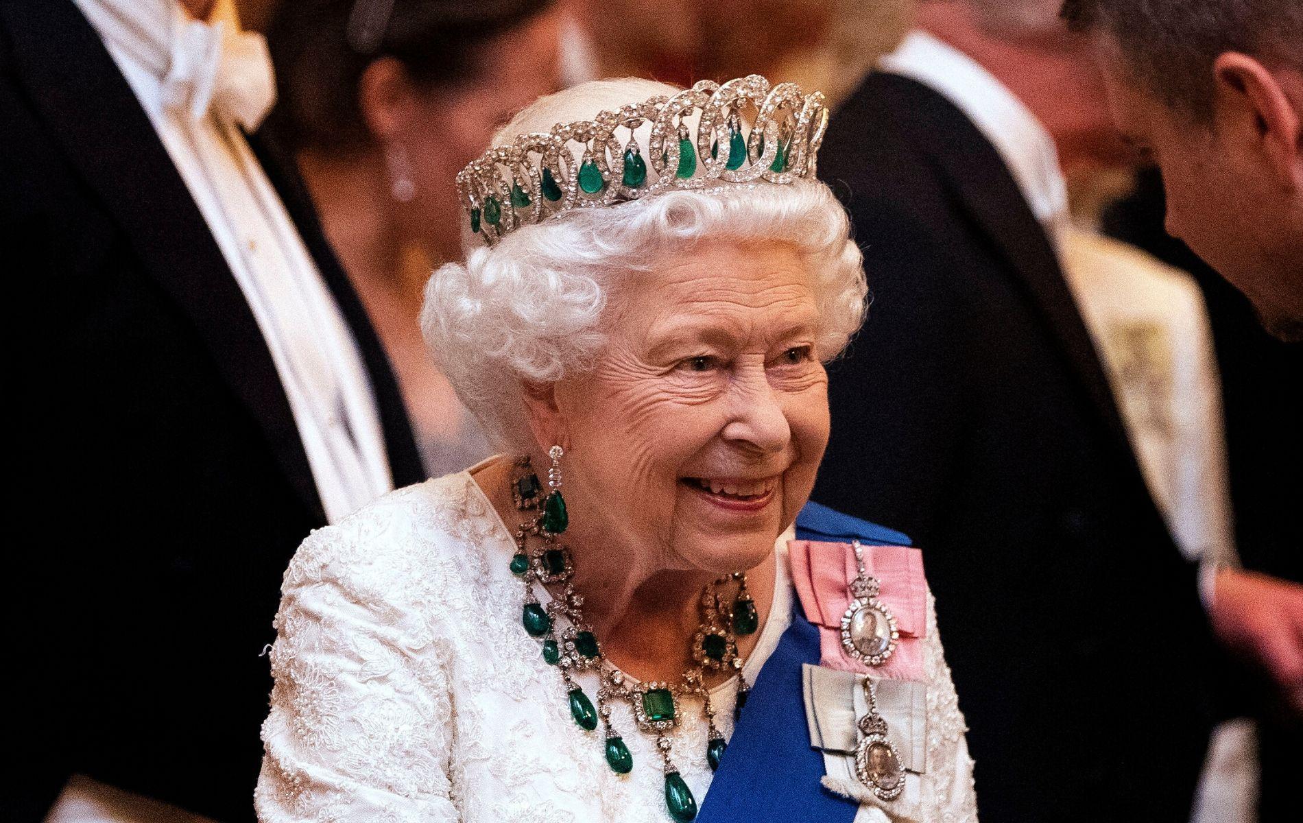 De la salle du trône aux passages secrets : Elizabeth II offre une visite virtuelle de Buckingham Palace