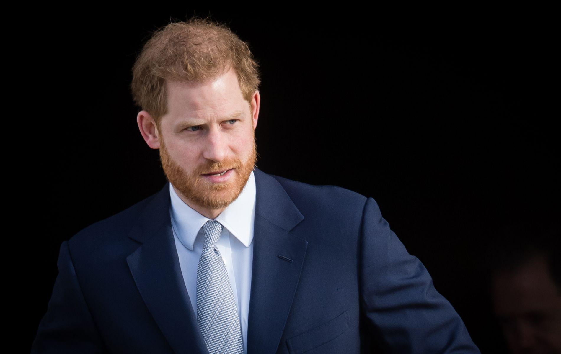 """""""Un jour dans la peau de ma femme"""" : le prince Harry raconte sa prise de conscience des préjugés racistes"""