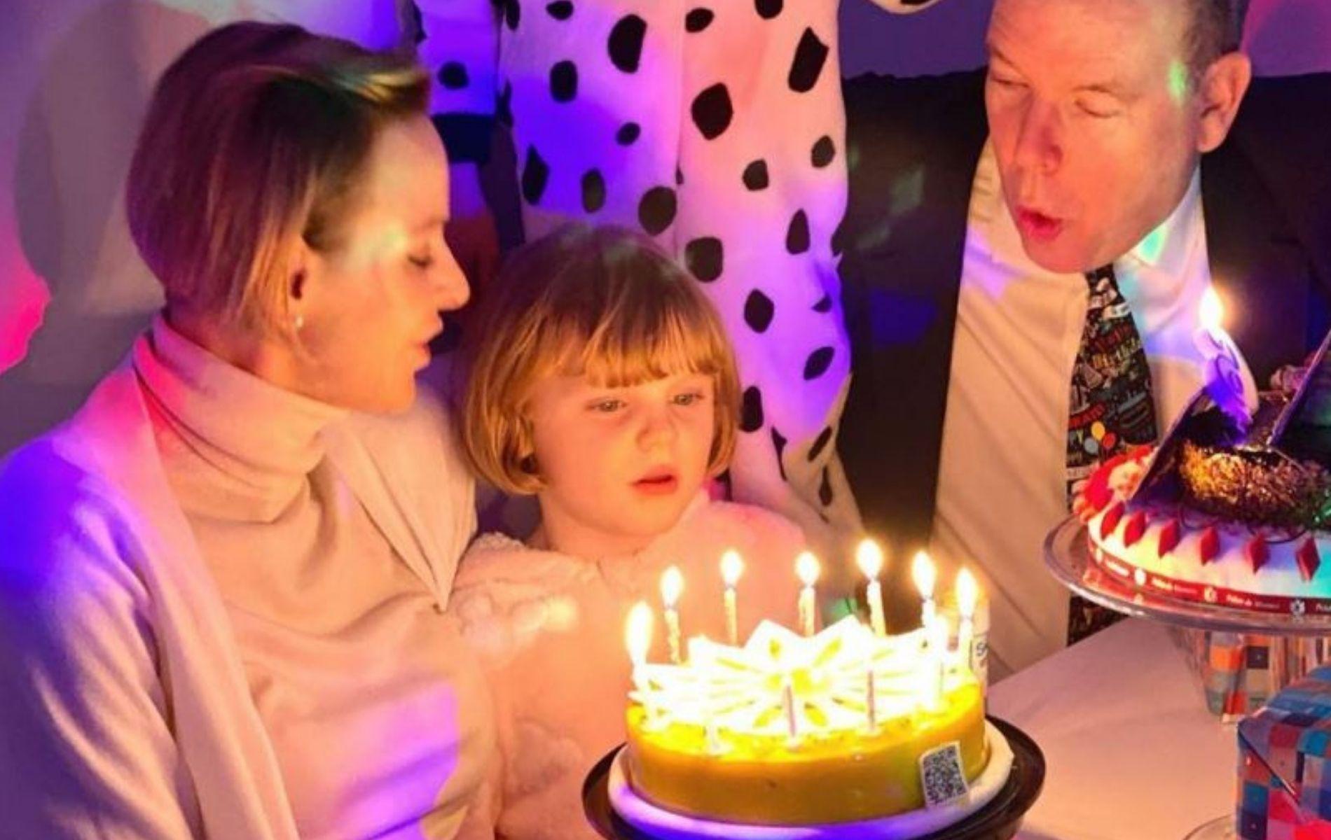 Les étranges photos d'anniversaire de Jacques et Gabriella de Monaco, 6 ans