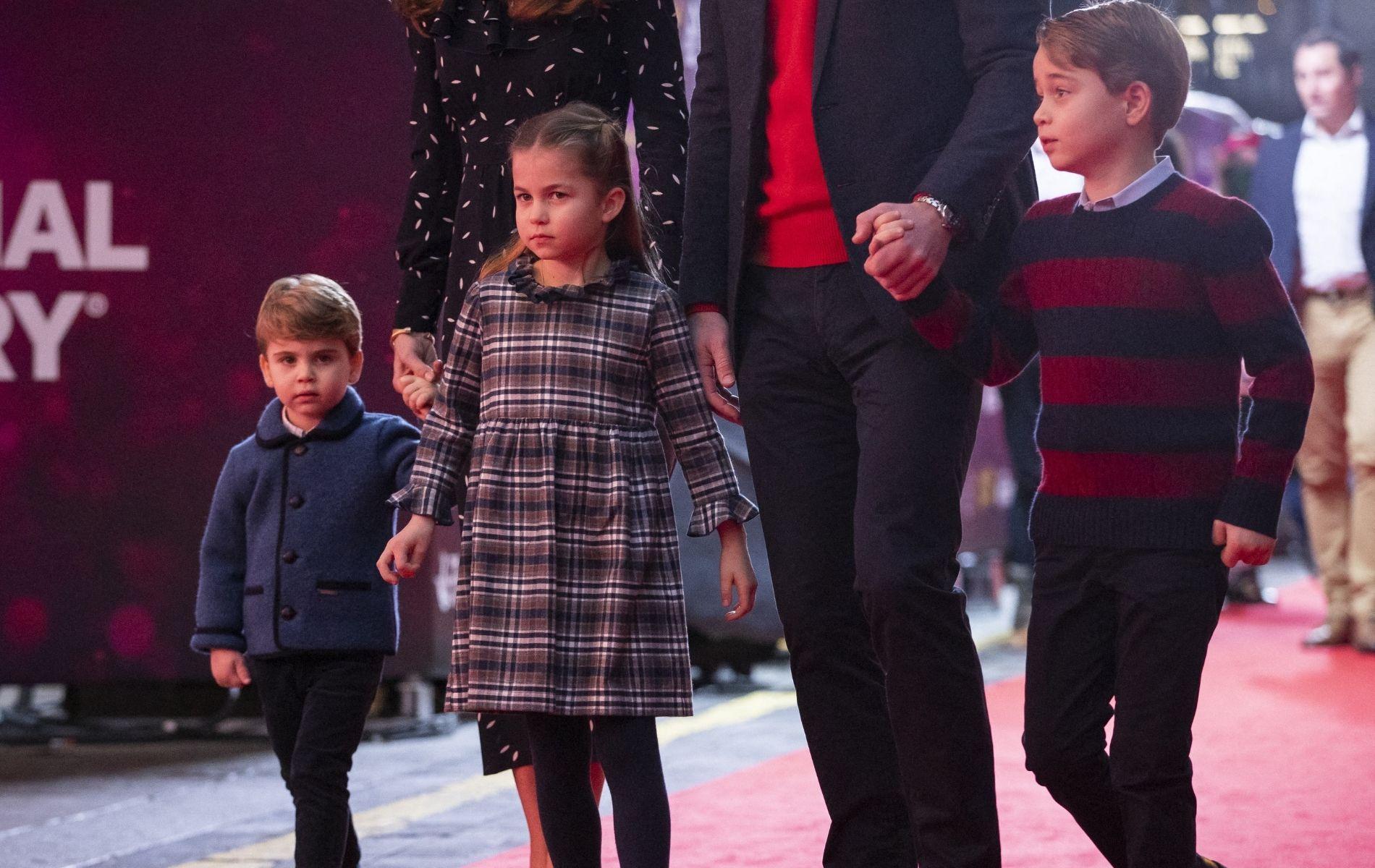 La complicité de George, Charlotte et Louis de Cambridge, en coulisses d'un spectacle londonien
