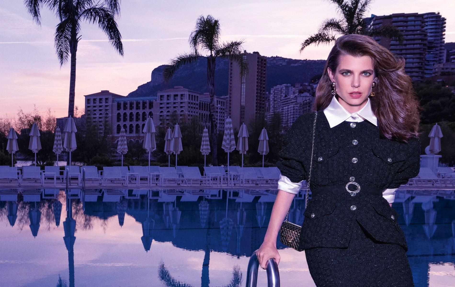 Les premières photos de Charlotte Casiraghi, princesse au clair de lune pour Chanel