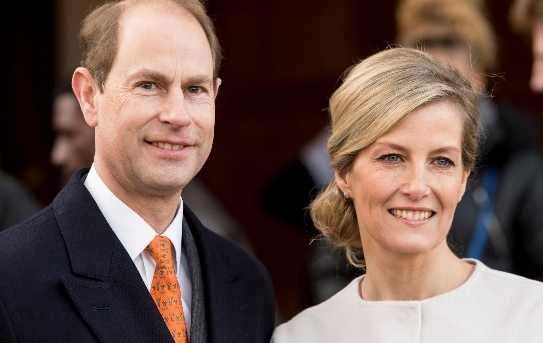 """""""Ce moment où tout s'est arrêté"""" : Sophie de Wessex et le prince Edward racontent les funérailles du prince Philip"""