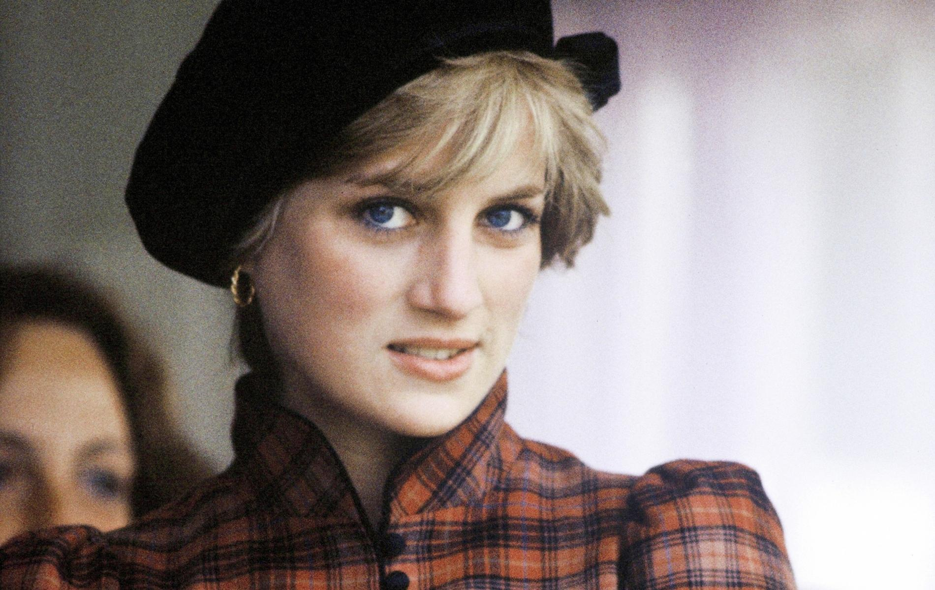 """Une Lady Diana à bout de souffle dans la nouvelle bande-annonce énigmatique de """"Spencer"""""""