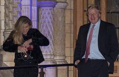 Qui est Carrie Symonds, la jeune et redoutable communicante au bras de Boris Johnson ?