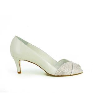 mignon pas cher une performance supérieure prix favorable Jonak lance sa ligne de souliers de mariée - Madame Figaro