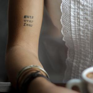 Nos Idees De Phrases Pour Votre Prochain Tatouage Madame Figaro