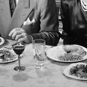 Voilà à quoi ressemblaient les bonnes manières, à table, il y a 129 ans 17f328b1b5a9