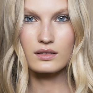 Imaxtree 11 maquillages pour les blondes repérés sur les podiums , Etam