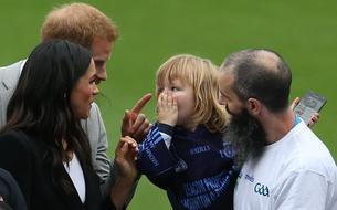 Le prince Harry réprimande gentiment un garçon de 3 ans